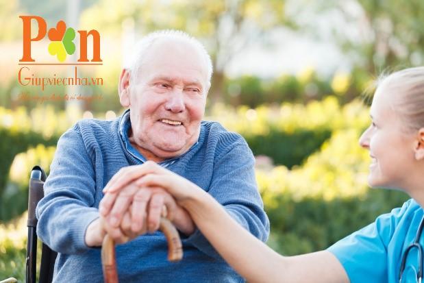 dịch vụ chăm sóc người bệnh tại bệnh viện đại học y dược ăn ở lại hoặc theo giờ