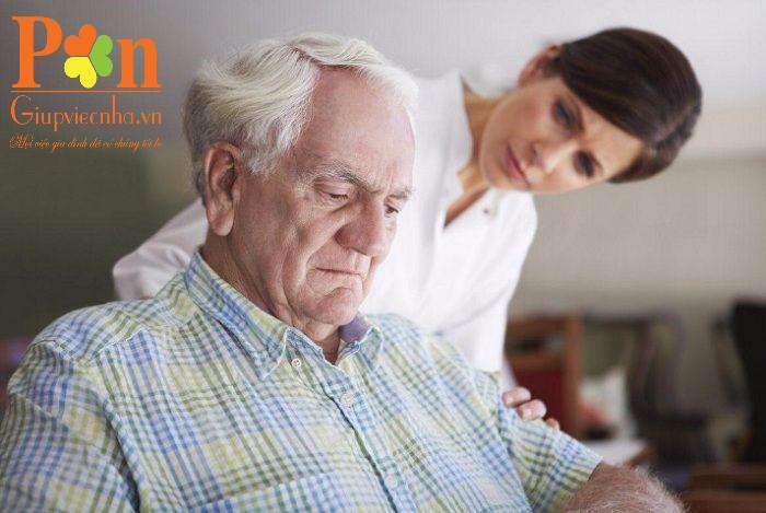 dịch vụ chăm sóc người già quận 1 ăn ở lại hoặc theo giờ