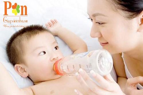 Dịch vụ giữ em bé quận Tân Phú ăn ở lại hoặc theo giờ