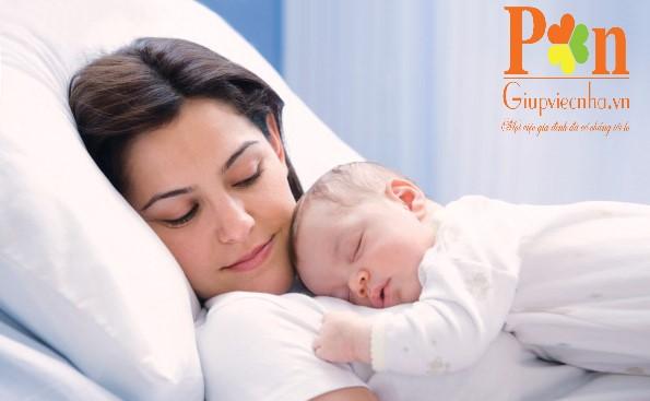 Dịch vụ giữ em bé quận 10 ăn ở lại hoặc theo giờ