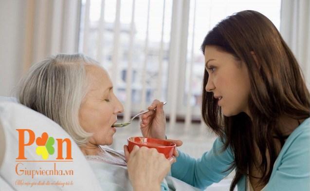 Dịch vụ chăm sóc bệnh nhân quận Tân Phú ăn ở lại hoặc theo giờ