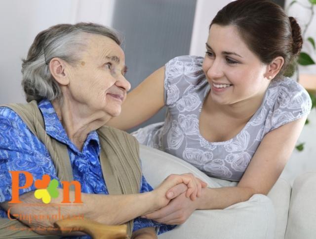 dịch vụ chăm sóc người già tại nhà ở lại hoặc theo giờ