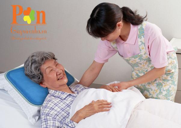 Dịch vụ chăm sóc người già tại bệnh viện chuyên nghiệp